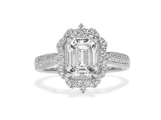 Halo Diamond Vintage Engagement Ring in White Gold.