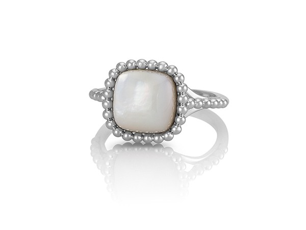 Mother-of-Pearl Ring in Sterling Silver.